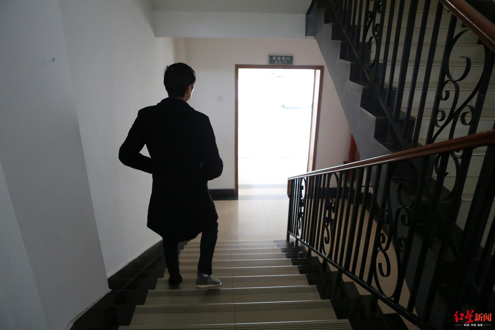 百胜娱乐a - 小米高管大换血:营销灵魂黎万强离职 总裁CFO换人