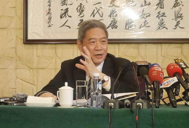 张志军13日在两会新闻中心开辟专场,回应媒体提问。(图源/中时电子报)