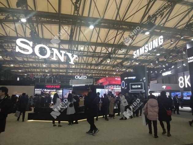 索尼和三星8K展台 图片来源:每经记者 张虹蕾 摄