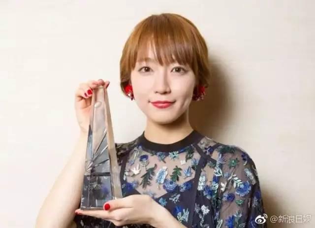 甚至还当选2017年爆红女优排行榜第一名。