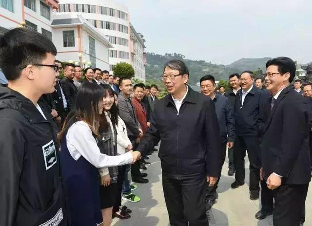 中组部长点赞的95后 省委书记第二次和他相见天高地厚 潘倩倩