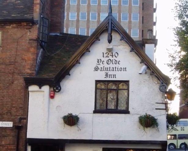 英酒馆传灵异事件成热门景点:9世纪始建,老板称与一逝者关系好