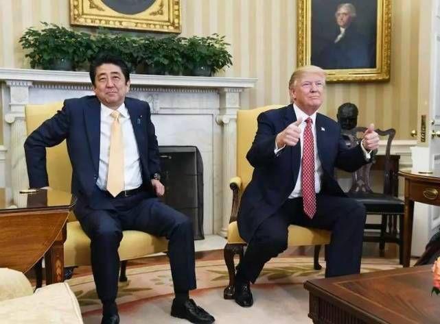 """中美贸易争端是通过中美双边谈判解决,还是通过 WTO 磋商和争端解决机构( DSB )解决,是个值得认真考虑的重要问题。中方采取了""""两条腿走路""""的方针。"""