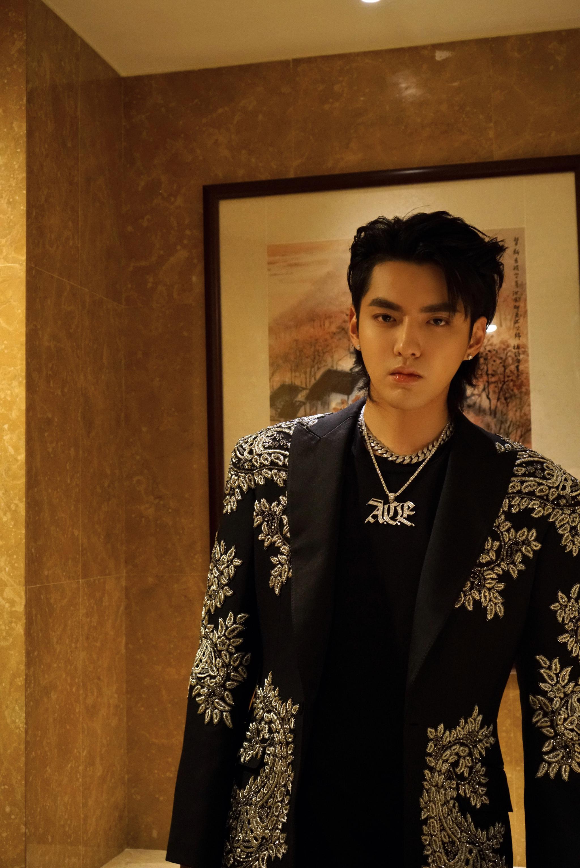 吴亦凡当珠宝店老板了他出品的项链你会买吗?
