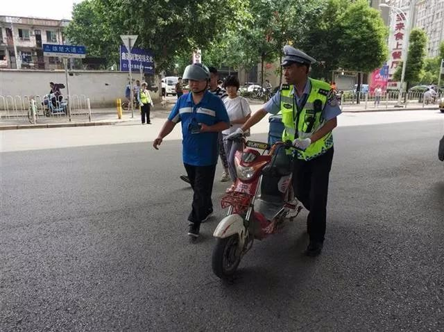 武汉一天内对759名快递小哥处罚 重者将被限入1年