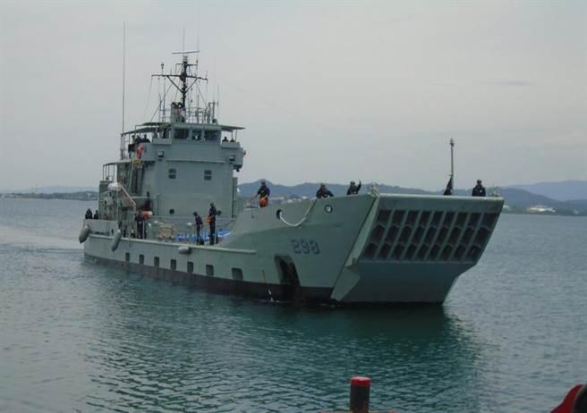 菲律宾海军首次装备导弹 将部署南海周边巡航