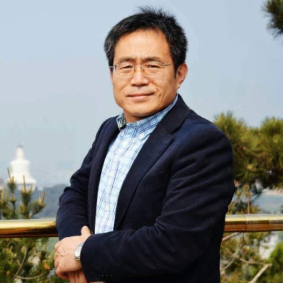 每经专访华东政法大学数据法律研究中心主任高富平:要提高知识产权审查效率,实现审查数字化、网络化、智能化
