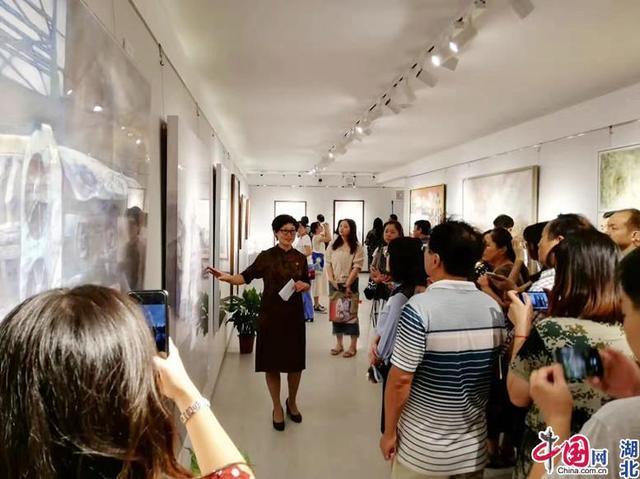湖北大学师生党员举办主题作品展 向新中国七十华诞献礼