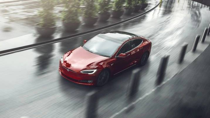 特斯拉的Model S该从保时捷Tayca