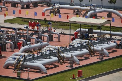 2017年5月19日,中国石油天然气集团公司宣布,中缅原油管道原油于当日16时正式由云南瑞丽进入中国,这是瑞丽输油气站一景。新华社记者 姚兵 摄