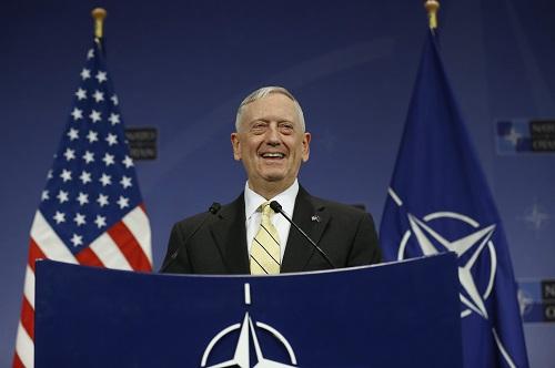 图为美国国防部长马蒂斯。(2017年2月16日摄) 新华社记者叶平凡摄