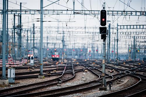 铁总力保8000亿铁路投资 127个专用线重点项目先实施