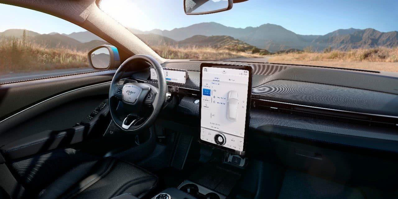 马斯克发推文恭喜福特推出电动汽车:这将鼓励更多厂商也纷纷转向电动