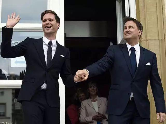 ▲卢森堡首相Xavier Bettel和配偶