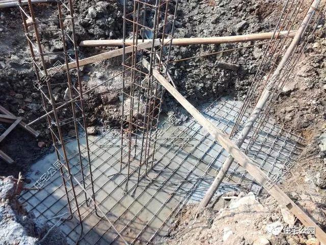 准备独立基础施工,因为一层用来作为商铺,想做成框架结构.