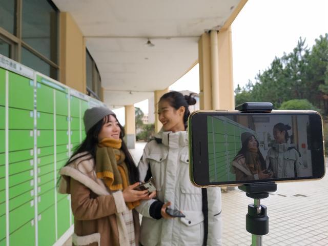 大学生寻找最新热点 做校园网络文化的传播者