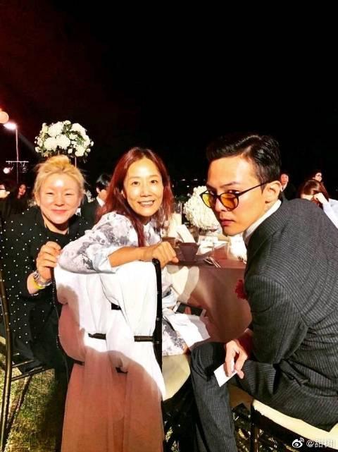 10月11日,权志龙的姐姐权多美与演员金敏俊举办婚礼
