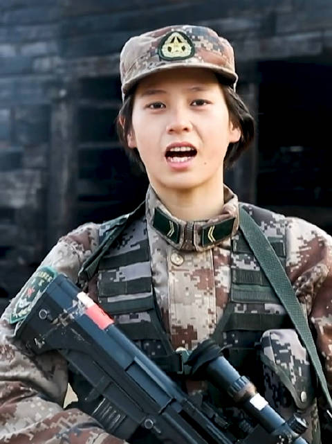 00后女兵狙击手沈梦可,一名过硬军事技能与较高颜值并存的女子!