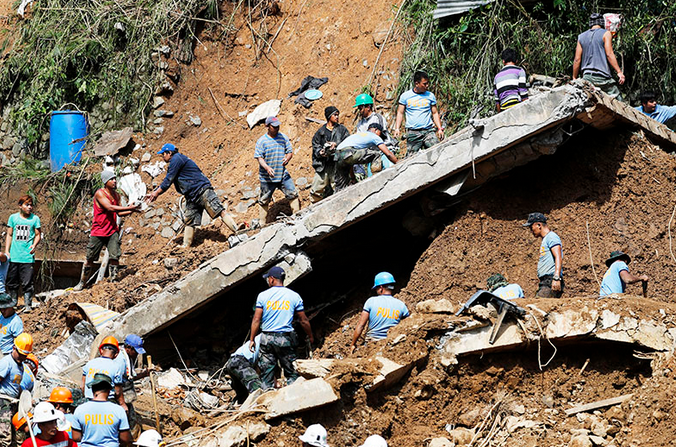 """台风""""山竹""""已致菲律宾81人遇难 仍有70人失踪"""