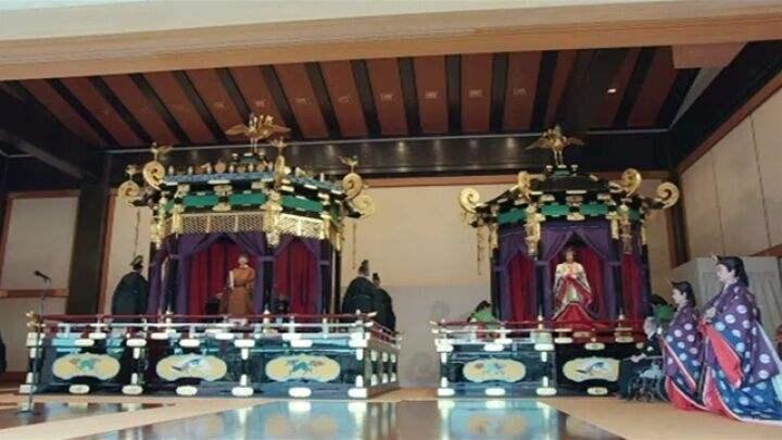 相比百年前的昭和天皇登基,日本今天这场典礼够寒酸的