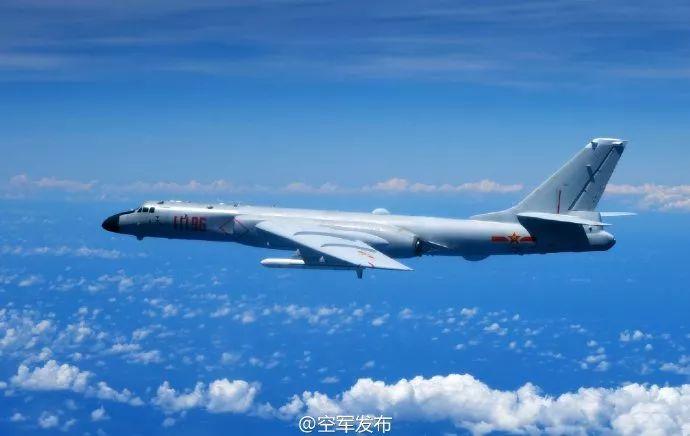 ▲资料图片:中国空军战机飞越宫古海峡,进行远洋训练。(空军官方微博)