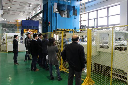 """宁波材料所""""车用碳纤维复合材料零部件示范工"""