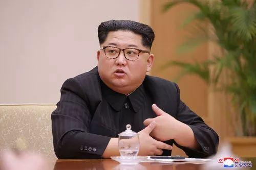 ▲4月9日,金正恩在平壤主持劳动党中央政治局会议。(朝中社)