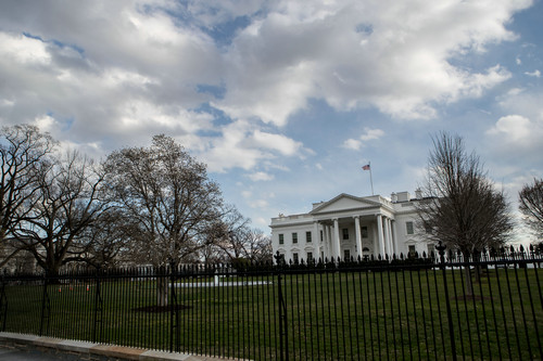 这是3月8日在美国华盛顿拍摄的白宫外景。新华社发