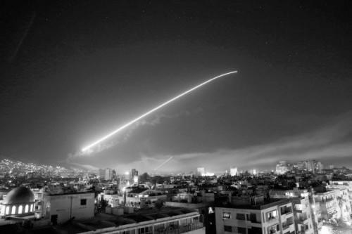 全景回顾美英法空袭叙利亚 全新武器轮番上阵
