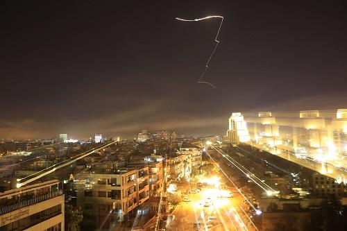 这是4月14日拍摄的遭受袭击的叙利亚首都大马士革。 新华社/美联