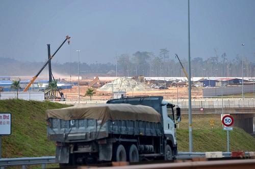 在马来西亚关丹,马中关丹产业园联合钢铁厂正在加紧建设。 新华社发