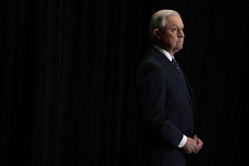 图为美国司法部长塞申斯(图片来源:纽约时报)