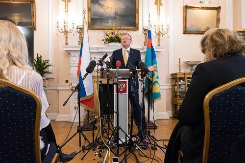 2018年4月5日,在英国伦敦,俄罗斯驻英国大使亚历山大<span class=