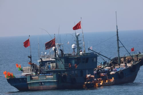 """以""""涉嫌违法""""为由,韩国海警扣押5艘中国渔船"""