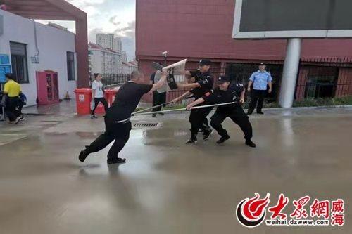 高区警方多措并举打造平安校园环境