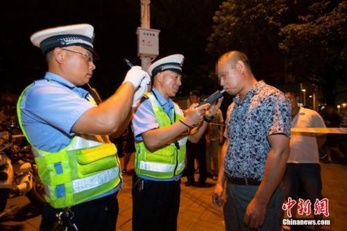 公安部交管局:今年以来共查处酒驾醉驾127.4万起