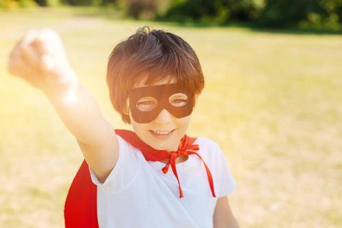孩子的幽默感有多重要?高情商的第一步,需要家长帮助起航