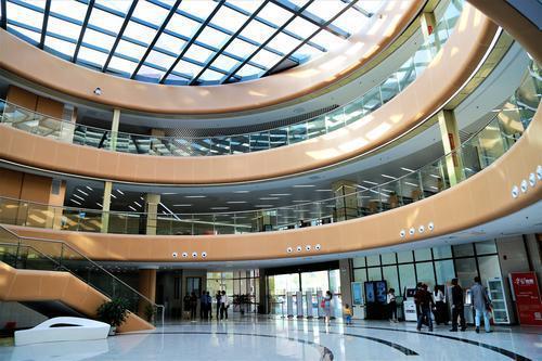 韶关南雄建成粤东西北地区县级建筑规模最大公共图书馆
