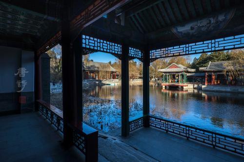 必赢集卡登录,别有洞天!北京大兴机场里藏着的小桥流水