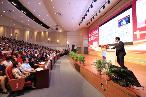 上海中医药大学: 争当中医药创新发展先行者