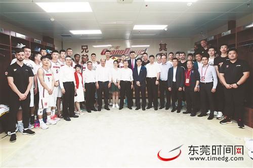 CBA揭幕战宏远男篮主场击败辽宁