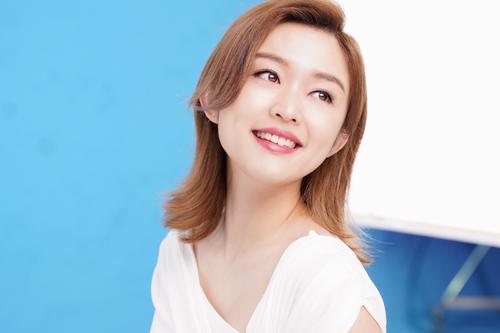 FANCL全新广告诚邀乐坛新晋创作女歌手陈明憙出镜 倡导无添加理念