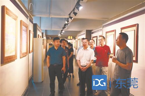 东莞日报社党委书记、社长、总编辑张树坚带队走访唯美集团图片