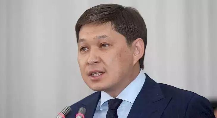 吉国总理伊萨科夫