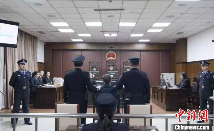 收受2514余万元 内蒙古包头市原副市长路智受审