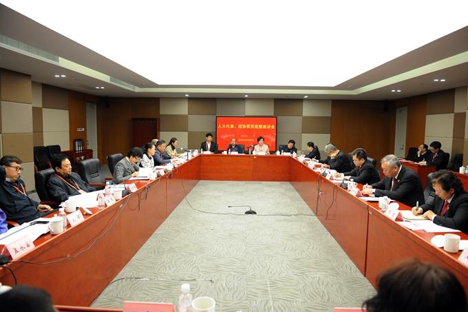 天津高院邀请部分代表委员视察法院工作