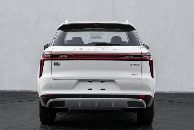 全新SUV不到9万,还买吉利长城?1.5T发动机油耗仅6.1L