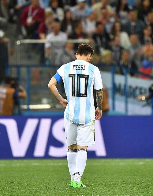 梅西被限制,阿根廷全队无B计划,结果是可以预料的。 新华社 图