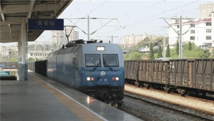 浩吉铁路正式开通运营:全长1800余公里,时速120公里