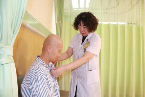 6斤重!珠海女子乳腺癌两年不治,肿瘤鼓胀似皮球